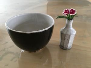 starnetのカフェオレボールと、小さな花瓶